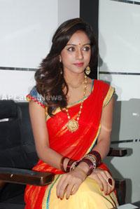 Naturals open Family Salon and Spa by Prema Ishq Kadal Movie Team, Bhimavaram - Picture 6