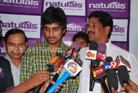 Naturals open Family Salon and Spa by Prema Ishq Kadal Movie Team, Bhimavaram - Picture 12