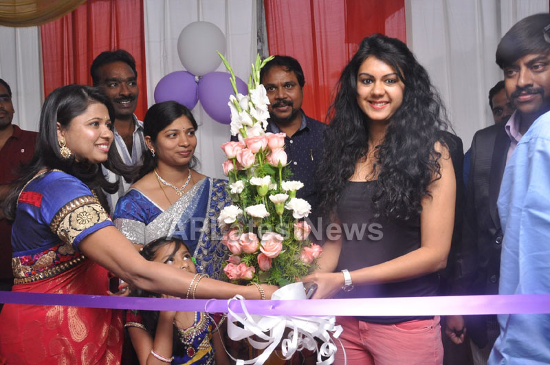 Naturals family salon and spa Launched - Inaugurated by Actress Kamna Jethmalani - Picture 12