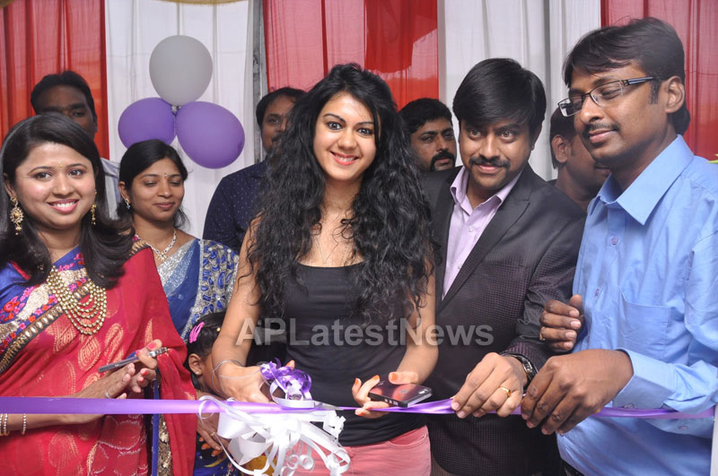 Naturals family salon and spa Launched - Inaugurated by Actress Kamna Jethmalani - Picture 8