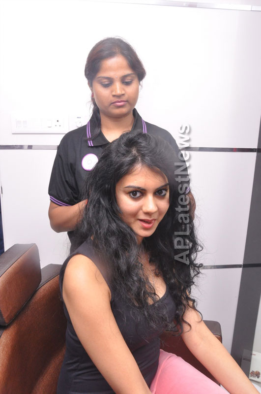 Naturals family salon and spa Launched - Inaugurated by Actress Kamna Jethmalani - Picture 5
