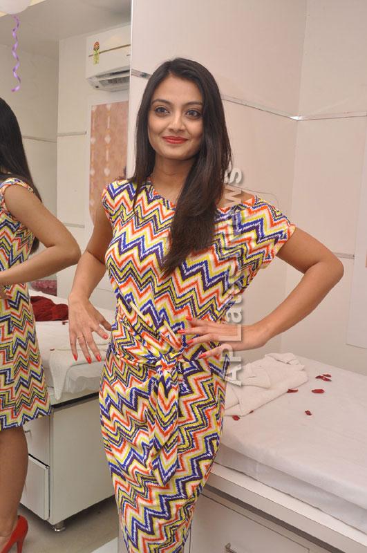 Naturals family salon and spa Launched by Actrecess Nikitha Narayan , Aksha - Picture 2