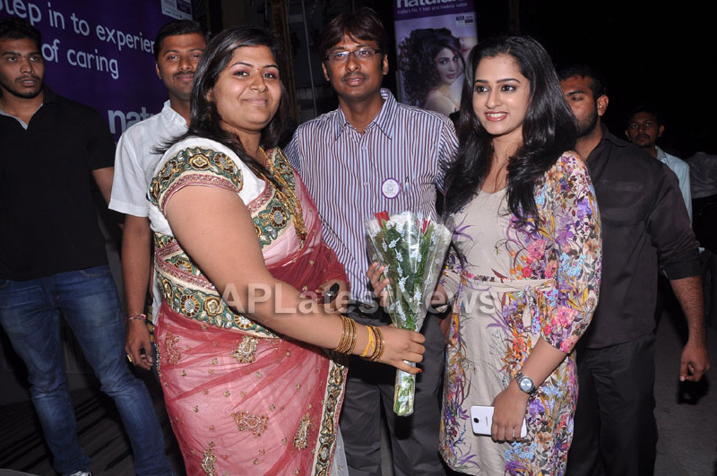 Naturals Launches Family Salon at Ameerpet - By Tollywood Actress Nanditha - Picture 3