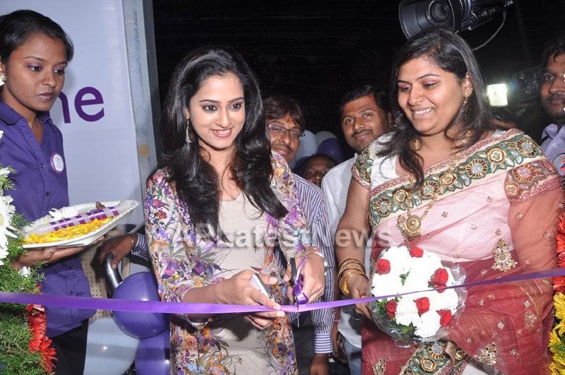 Naturals Launches Family Salon at Ameerpet - By Tollywood Actress Nanditha - Picture 14