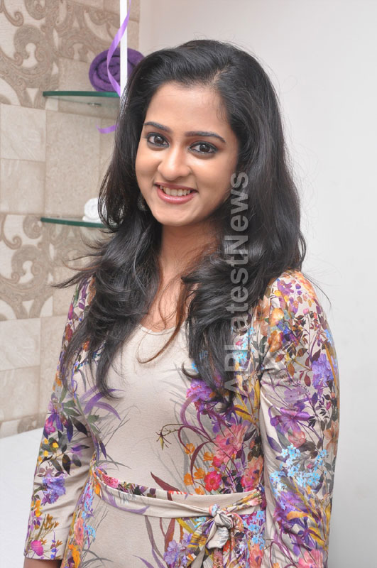 Naturals Launches Family Salon at Ameerpet - By Tollywood Actress Nanditha - Picture 2