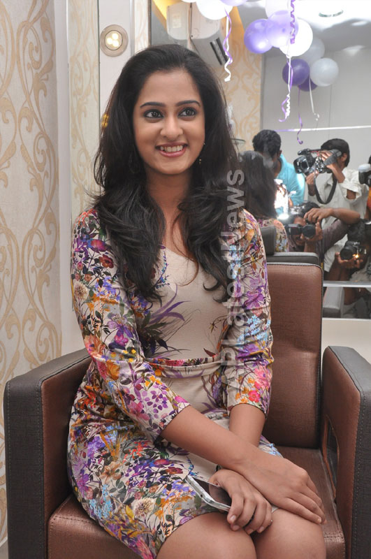 Naturals Launches Family Salon at Ameerpet - By Tollywood Actress Nanditha - Picture 12