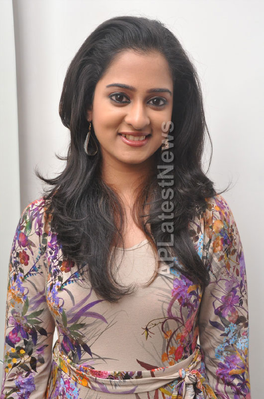 Naturals Launches Family Salon at Ameerpet - By Tollywood Actress Nanditha - Picture 6