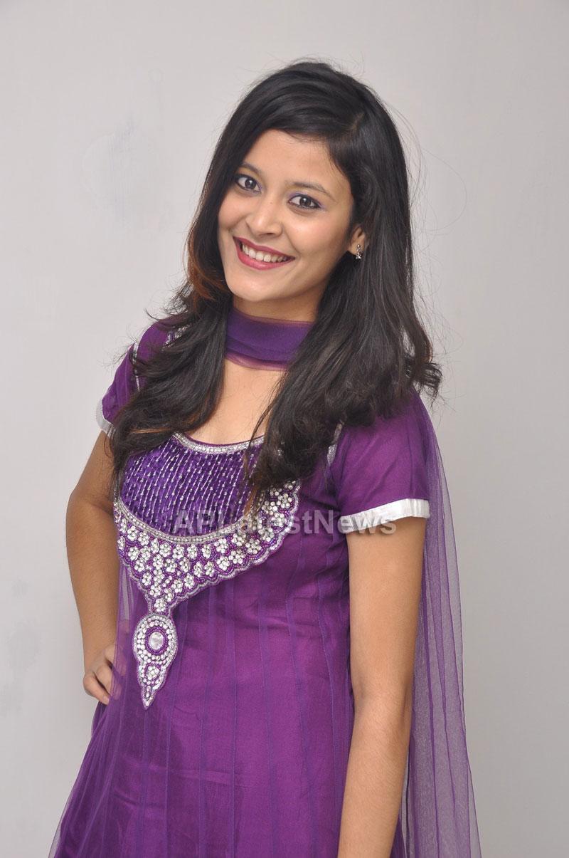 Naturals Launches Family Salon at Vanasthalipuram(Actress Archana Veda) - Picture 11