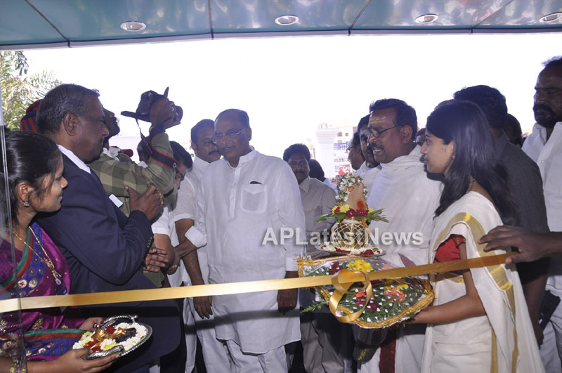 OZONE Hospitals Opened in Kothapet by Jana Reddy State Minister of Panchayat Raj and RWS - Picture 11