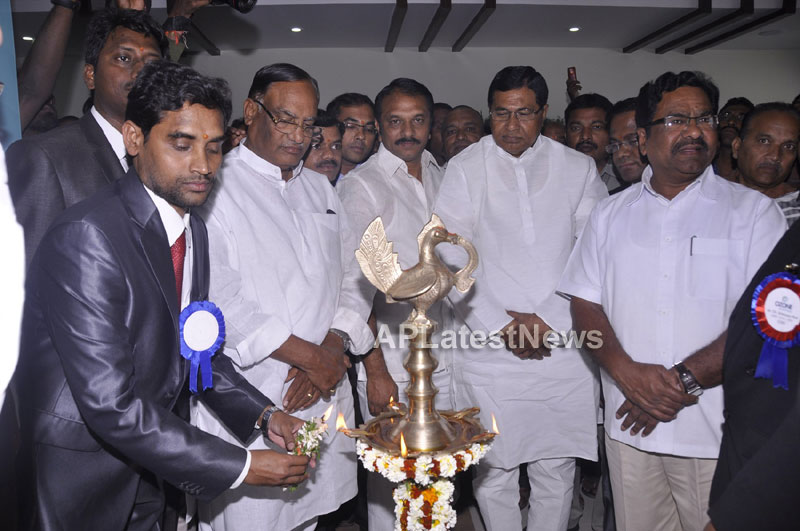 OZONE Hospitals Opened in Kothapet by Jana Reddy State Minister of Panchayat Raj and RWS - Picture 3