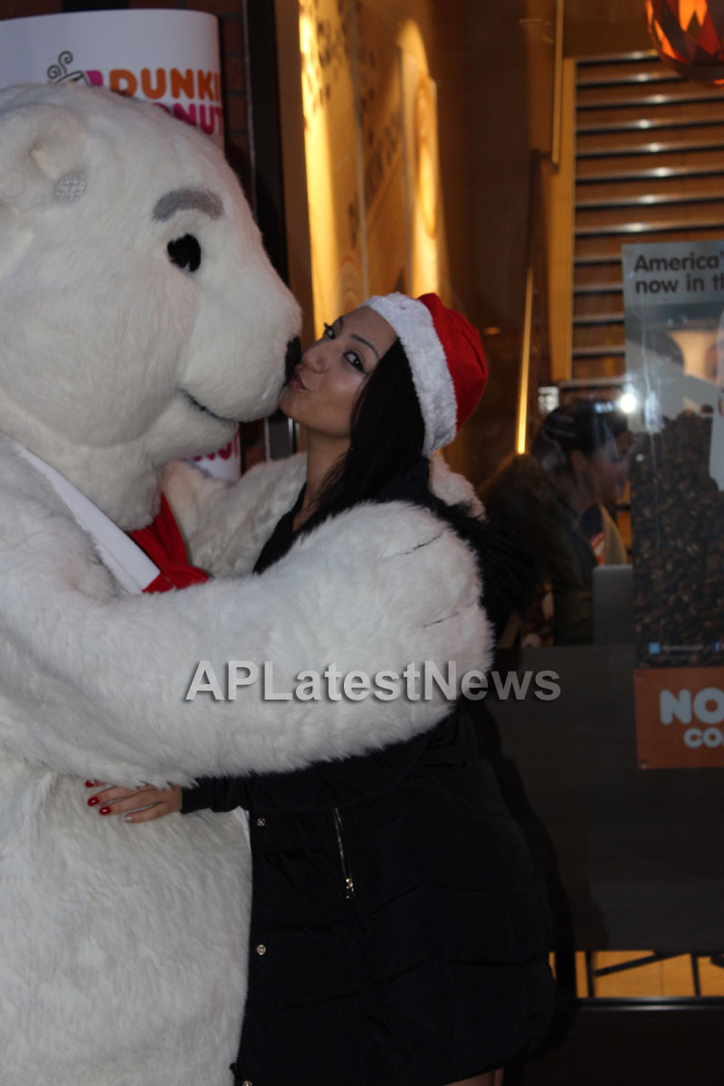 Playboy girl Shanti Dynamite turn sexy Santa clause  - Picture 4