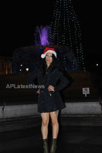 Playboy girl Shanti Dynamite turn sexy Santa clause  - Picture 3