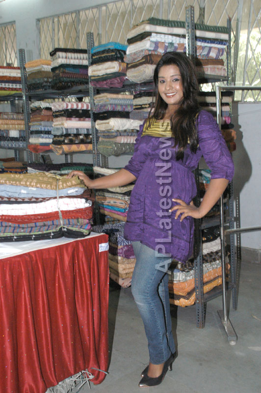 Pochampally -IKAT Art Mela- Basava Bhavan, Bangalore - Sandalwood Actress Soujanya - Picture 6