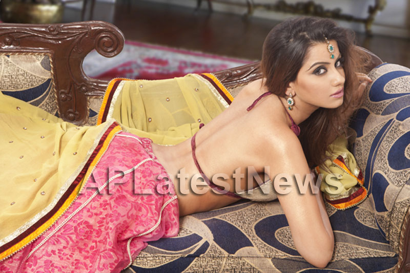 Ritika Chibber the new meaning of bold and sexy - Picture 1