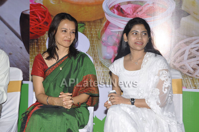 SamJs Natural launched by Actress Amala Nagarjuna at Inorbit mall in Madhapur - Picture 4