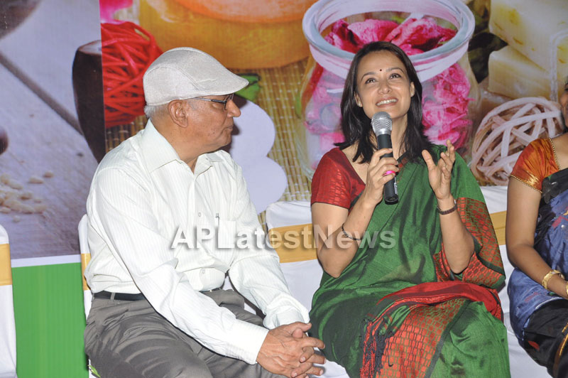 SamJs Natural launched by Actress Amala Nagarjuna at Inorbit mall in Madhapur - Picture 5