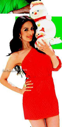 Priyanka, Kareena and Shanti got in Top 20 actress as Sexy Santa in BCCUK News - Picture 1