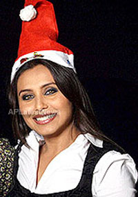 Priyanka, Kareena and Shanti got in Top 20 actress as Sexy Santa in BCCUK News