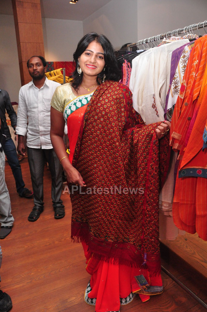 Shrujan Hand Embroidery Exhibition by Tollywood Actress Tanusha, Hyderabad - Picture 3