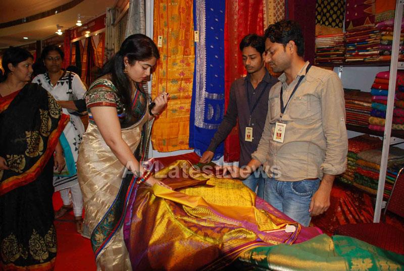 Silk Mark Expo Inaugurated by Vimala Narsimhan at Shilpakala Vedika, HYD - Picture 4