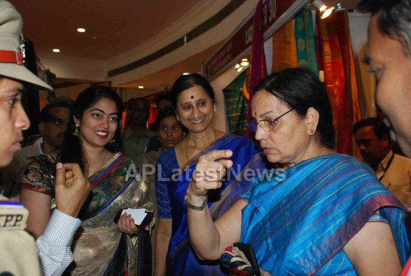 Silk Mark Expo Inaugurated by Vimala Narsimhan at Shilpakala Vedika, HYD - Picture 9