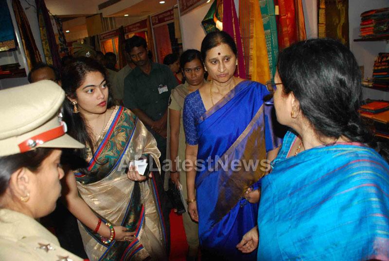 Silk Mark Expo Inaugurated by Vimala Narsimhan at Shilpakala Vedika, HYD - Picture 11