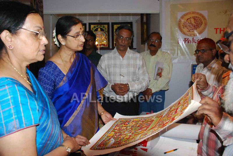 Silk Mark Expo Inaugurated by Vimala Narsimhan at Shilpakala Vedika, HYD - Picture 8