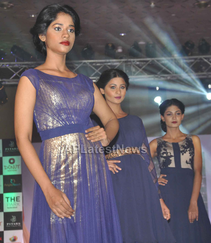 Sultry models set the ramp on fire, The Park Somajiguda, Hyderabad  - Picture 14