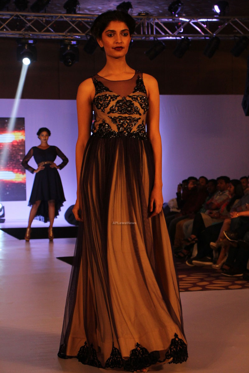 Sultry models set the ramp on fire, The Park Somajiguda, Hyderabad  - Picture 11