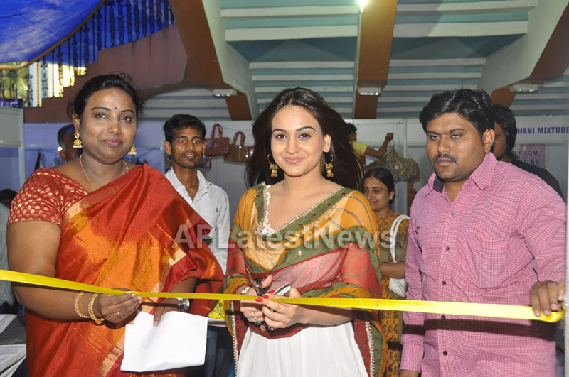 Trendz - Summer Fashion Exhibition 2013 - Inaugurated by Actress Aksha - Picture 8