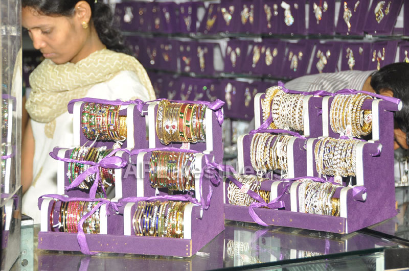 Trendz - Summer Fashion Exhibition 2013 - Inaugurated by Actress Aksha - Picture 2