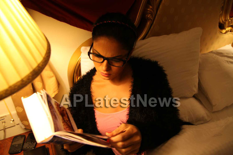Veena Malik Follows Bhagavad Gita - Picture 22