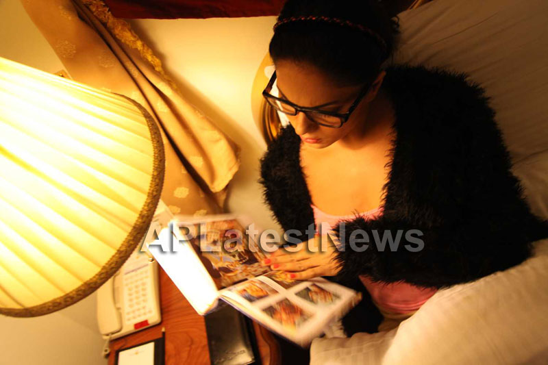 Veena Malik Follows Bhagavad Gita - Picture 10