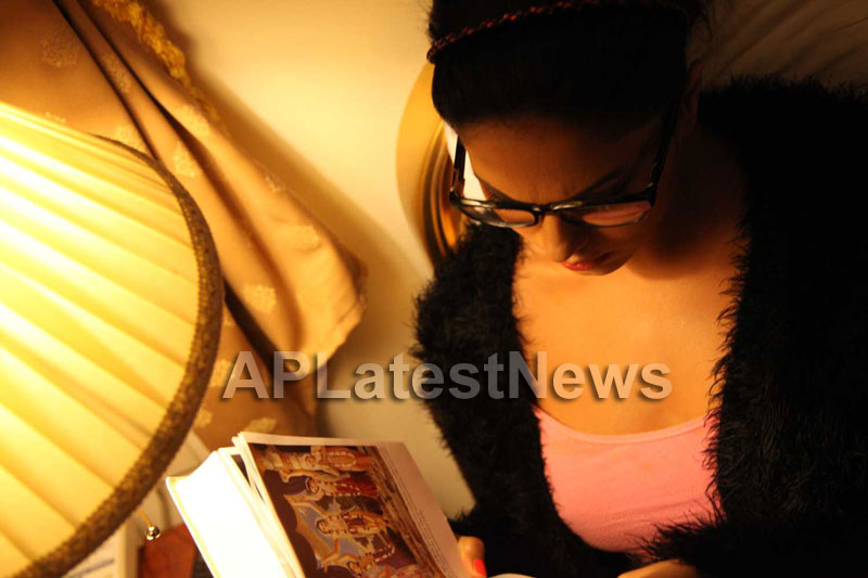 Veena Malik Follows Bhagavad Gita - Picture 24