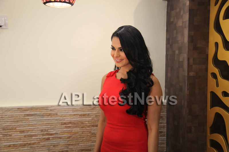 Veena Malik Supermodel city tour, Kolkata - Picture 3