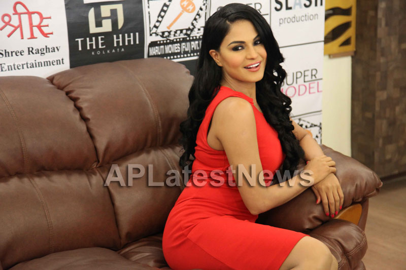 Veena Malik Supermodel city tour, Kolkata - Picture 12