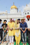Veena Malik at Holy shrine of Gurudwara - Picture 11