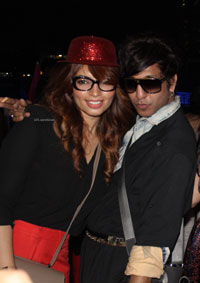 Yash, Talat, Candy, Aarti, Tina and Ali At Sunburn DJ Party - Picture 15