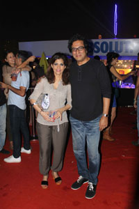 Yash, Talat, Candy, Aarti, Tina and Ali At Sunburn DJ Party - Picture 4