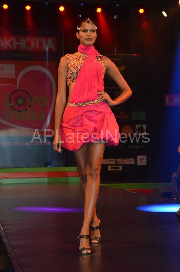 Sultry models set the ramp on fire - Lakhotia Annual Fashion Show, Hyderabad, Telangana, India - Picture 15