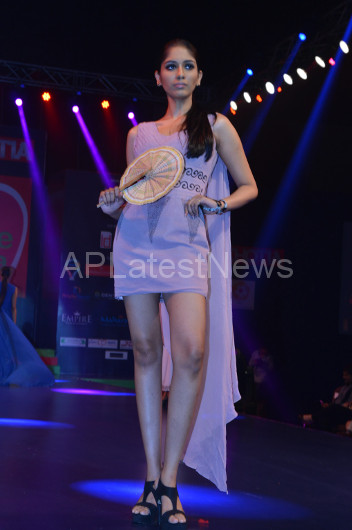 Sultry models set the ramp on fire - Lakhotia Annual Fashion Show, Hyderabad, Telangana, India - Picture 19