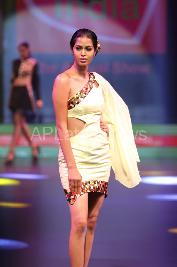 Sultry models set the ramp on fire - Lakhotia Annual Fashion Show, Hyderabad, Telangana, India - Picture 11