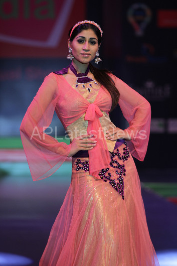 Sultry models set the ramp on fire - Lakhotia Annual Fashion Show, Hyderabad, Telangana, India - Picture 16