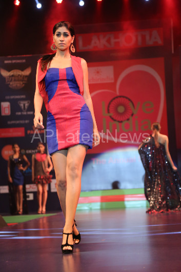 Sultry models set the ramp on fire - Lakhotia Annual Fashion Show, Hyderabad, Telangana, India - Picture 20