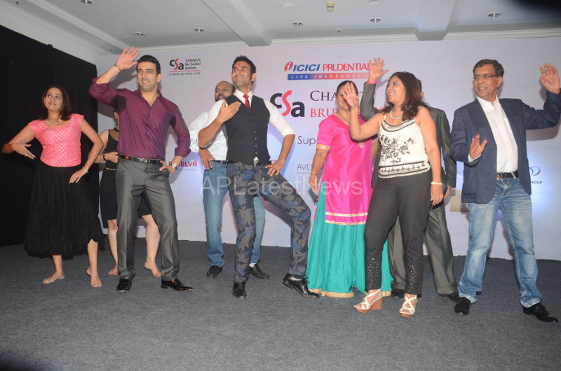 Sandip Soparrkar Performs at Fund Raising Art Auction for CSA, Mumbai, Maharashtra, India - Picture 6