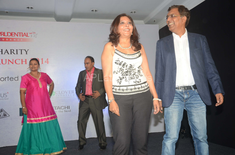 Sandip Soparrkar Performs at Fund Raising Art Auction for CSA, Mumbai, Maharashtra, India - Picture 4