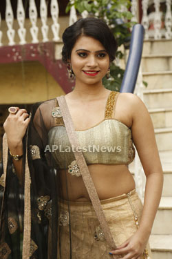 Acress Priyanka Ramana Launches National Silk Expo at Hyderabad