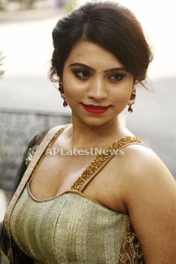 Acress Priyanka Ramana Launches National Silk Expo at Hyderabad - Picture 8