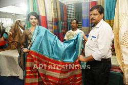 Acress Priyanka Ramana Launches National Silk Expo at Hyderabad - Picture 9