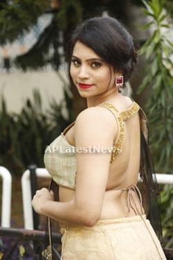 Acress Priyanka Ramana Launches National Silk Expo at Hyderabad - Picture 11